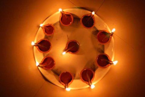 Celebriamo Perché Diwali?