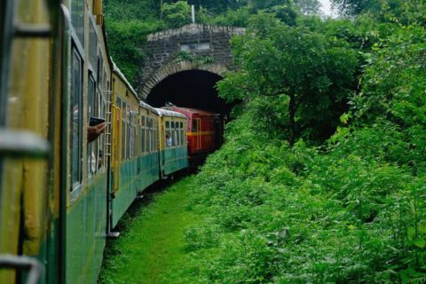andare in india in treno