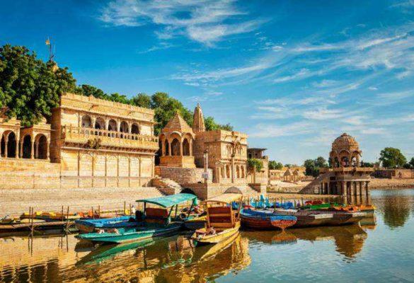india turisti per caso
