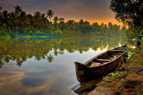 Spettacolare alba in india