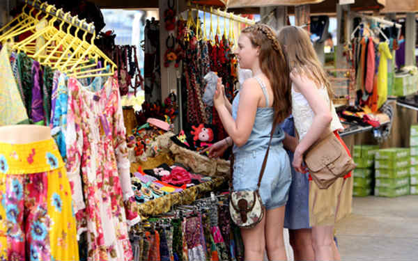 famose destinazioni per lo shopping a delhi